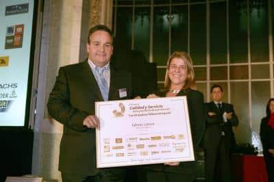 Jordi Pericás recibe el premio Calidad y Servicio
