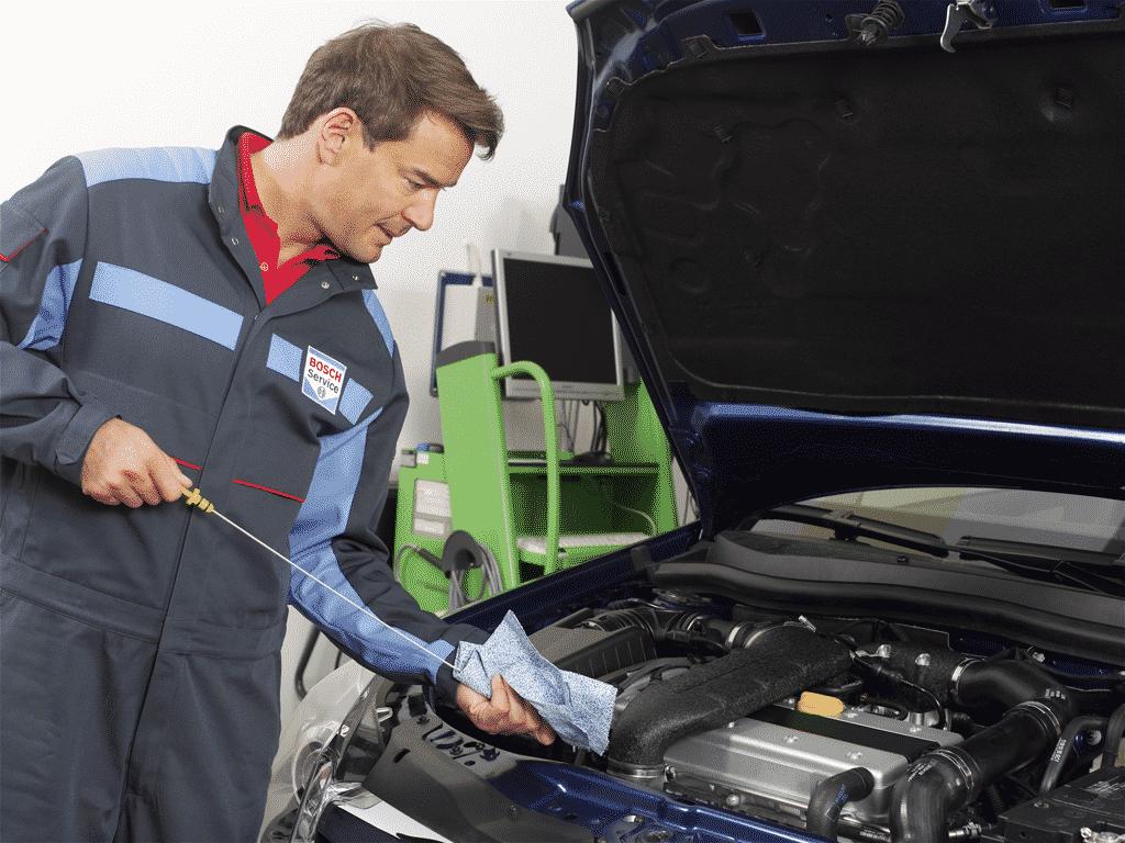 Cambio de aceite y filtro en Bosch Car Service Talleres Latorre